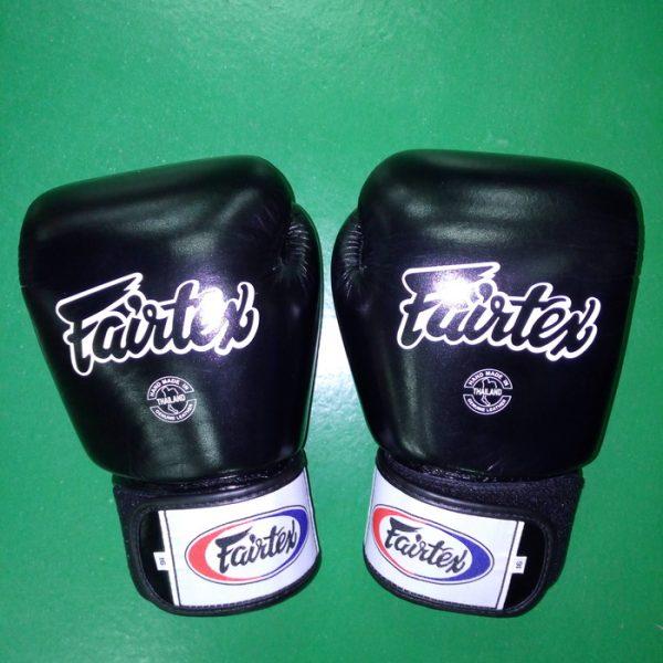 Fairtex gloves muay thai Black color